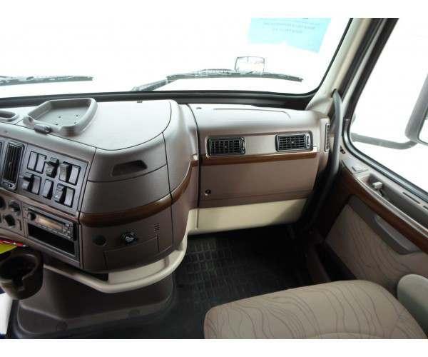 2012 Volvo VNL 670 4
