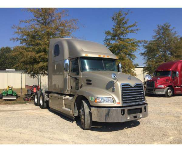 2015 Mack Pinnacle CXU613 3