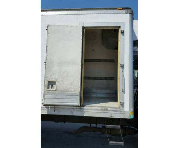 2009 International 4400 Reefer Truck 10