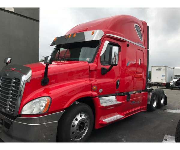 2013 Freightliner Cascadia 7