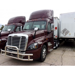 2016 Freightliner Cascadia Day Cab in CA