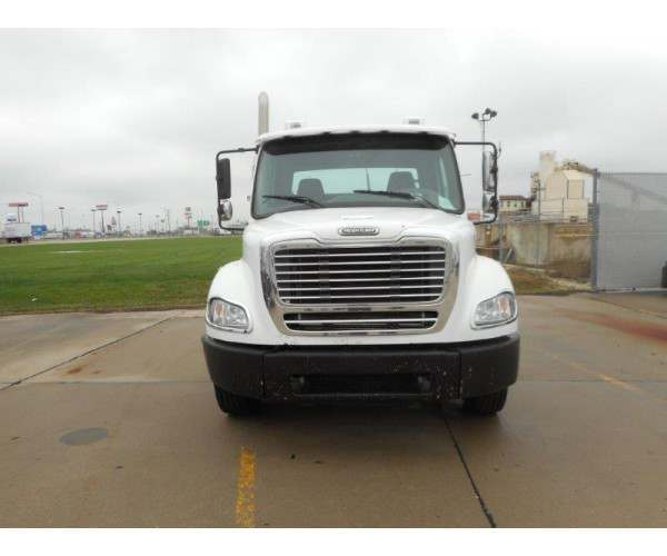 2005 Freightliner M2 Day Cab 5