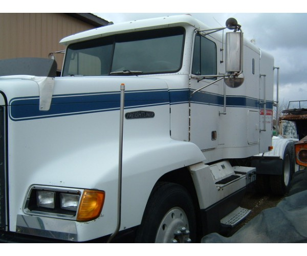 1990 Freightliner FLD120 in IA