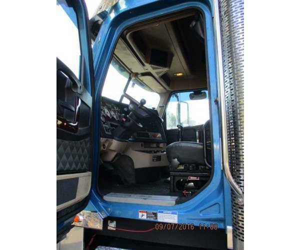 2012 Freightliner Coronado 132 14