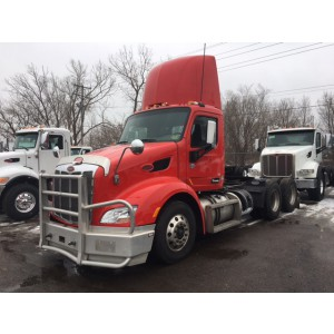 2014 Peterbilt 579 Day Cab in MN