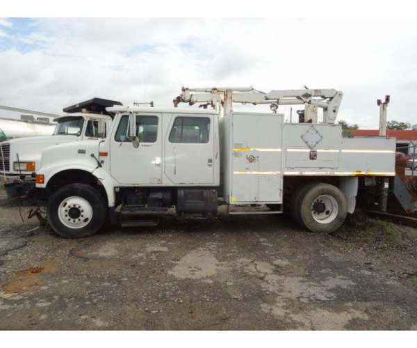 1998 International 4900 Knuckleboom Crane 1