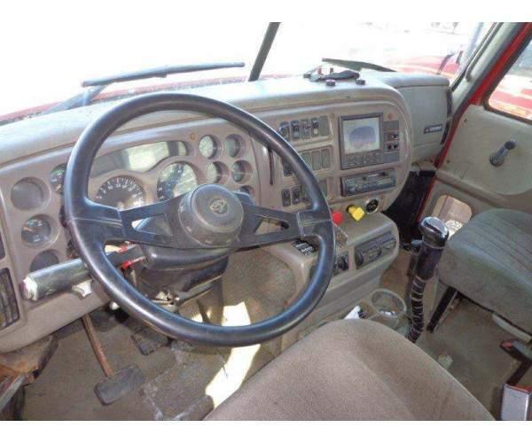 2001 Mack CH613 Daycab 4