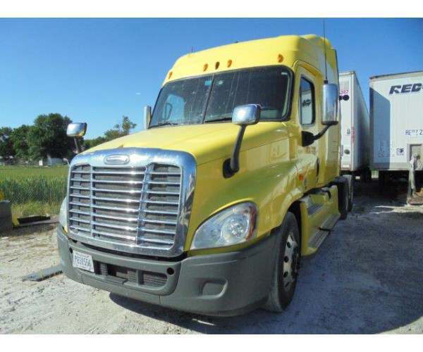2012 Freightliner Cascadia in FL