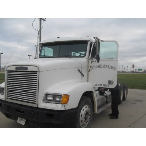 1995 Freightliner FLD120 Day Cab in IL