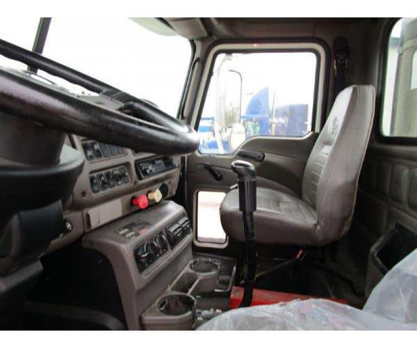 2004 Mack CX612 Day Cab 5