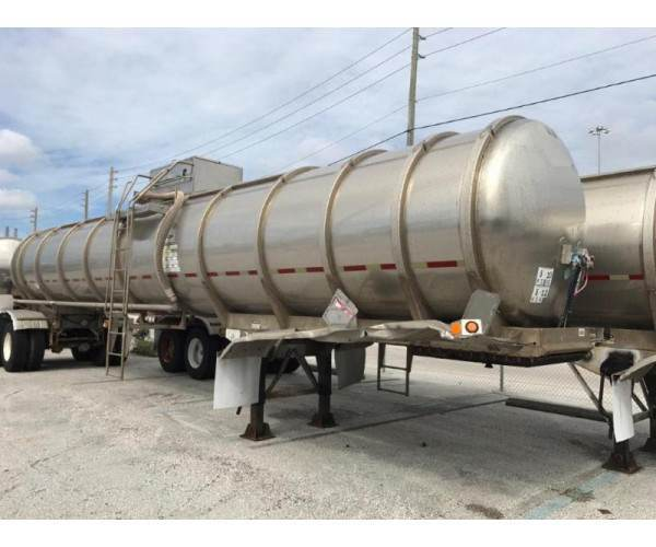 2000 Bulk 8200 Tank Trailer in FL