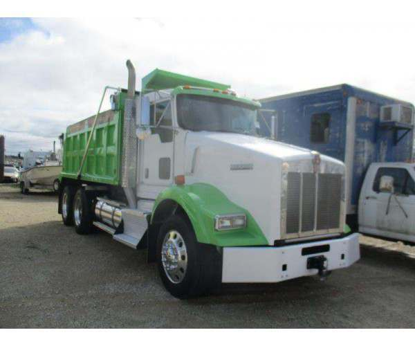 2011 Kenworth T800 Dump Truck 2
