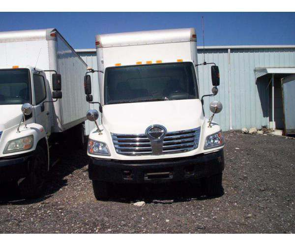 2006 Hino 268A Box Truck 2