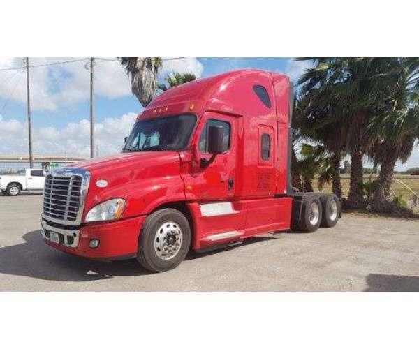 2015 Freightliner Cascadia Evolution 1