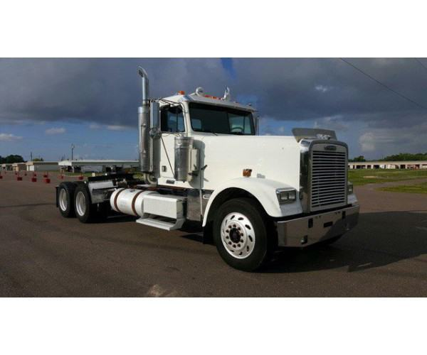 2007 Freightliner Classic XL 2