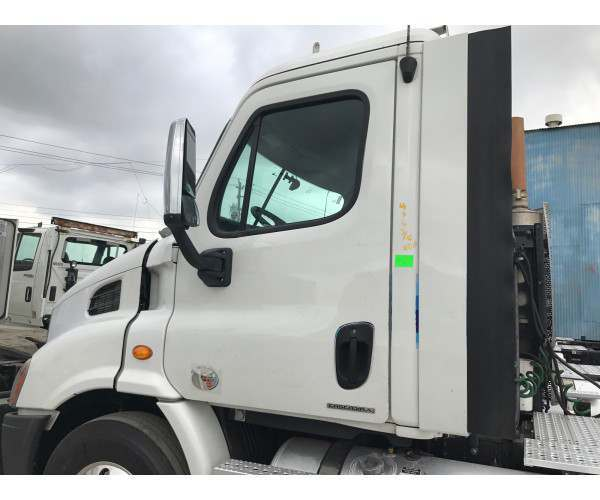 2010 Freightliner Cascadia Day Cab in TX
