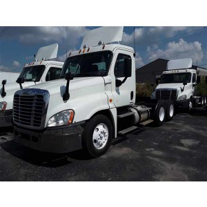 2012 Freightliner Cascadia Day Cab in IN