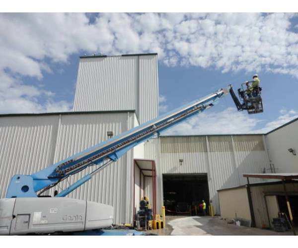 2001 Genie S-125 Telescoping Boom Lift in TX