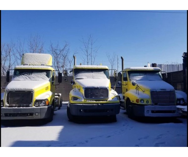 2006 Freightliner Columbia Day Cab in MI