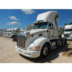 2013 Peterbilt 386 Day Cab