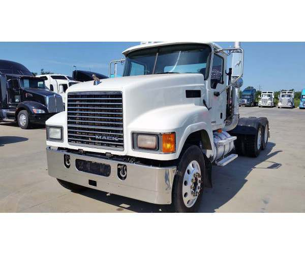 2010 Mack PINNACLE CHU613 5