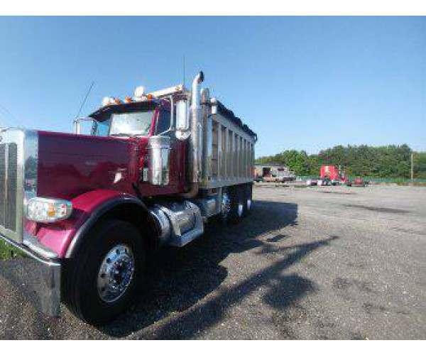 2014 Peterbilt 388 Dump Truck