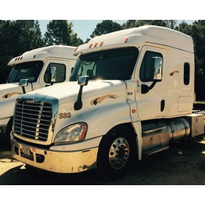 2015 Freightliner Cascadia in MS