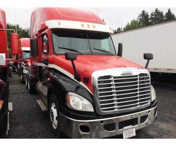 2012 Freightliner Cascadia in NY