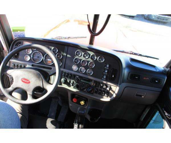 2014 Peterbilt 388 Day Cab 9
