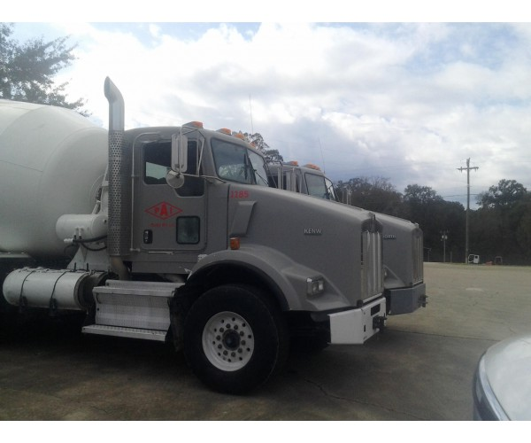 2009 Kenworth T800 Mixer Truck in LA