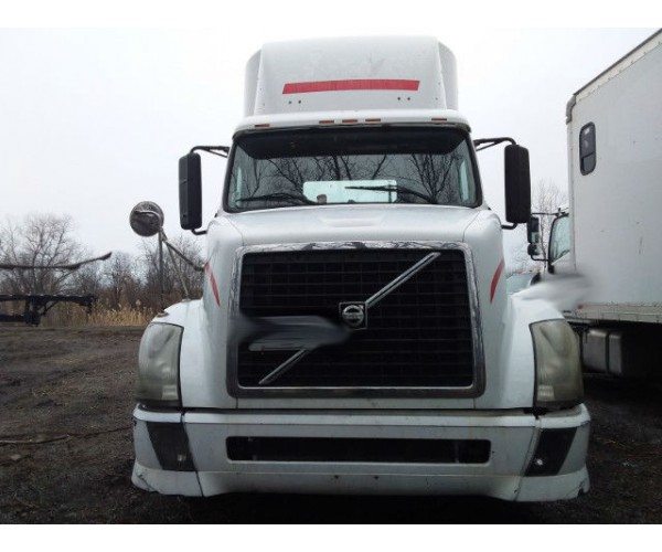 2006 Volvo VNL 300 Day Cab in IL