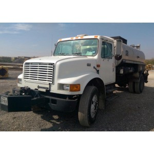 2000 International 4700 Tank Truck in TX
