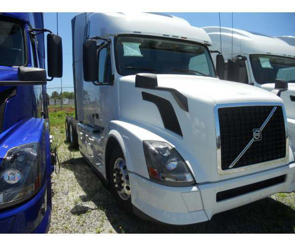 2014 Volvo VNL 670 in SC