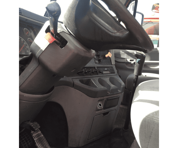 2007 Freightliner Columbia Day Cab 4