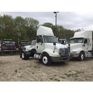 2007 International 8600 Day Cab