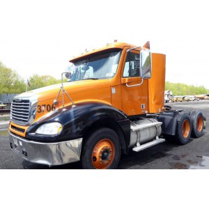 2007 Freightliner Columbia Day Cab in NY