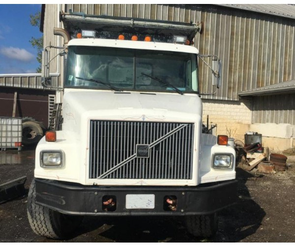 1997 Volvo Stone Spreader Truck in OH
