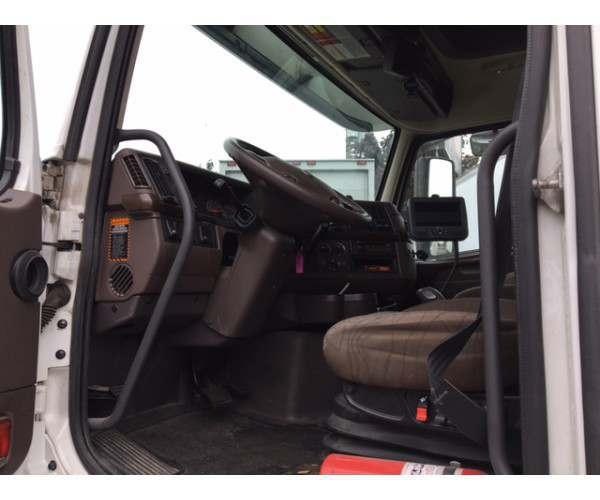 2015 Volvo VNL 670 in OR