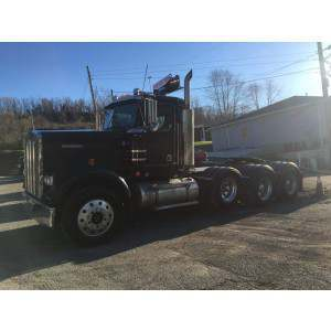 2005 Kenworth W900B Day Cab