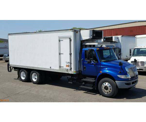 2009 International 4400 Reefer Truck 1
