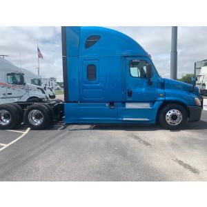 2017 Freightliner Cascadia in TN