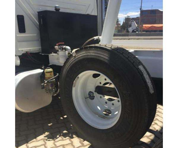 2016 International 7600 Dump Truck 4
