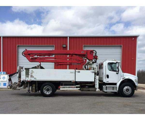 2004 Freightliner M2 Utility Truck2