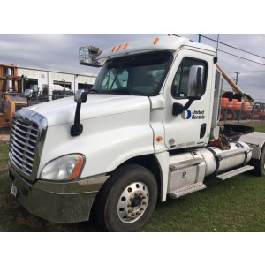 2011 Freightliner Cascadia Day Cab in TX