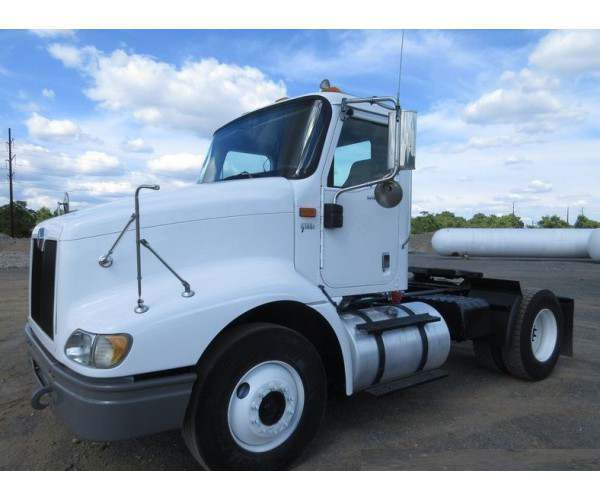 2002 International 9200i Day Cab3