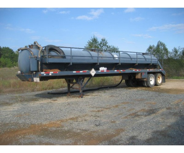 2011/12 Deerebuilt Vacuum Tank Trailer in TX