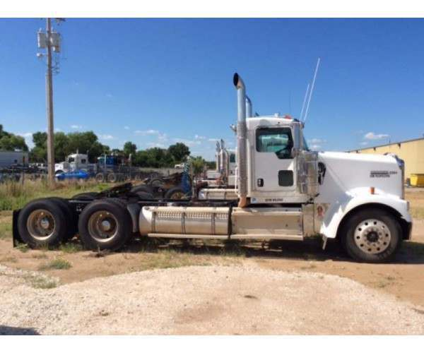 2009 Kenworth W900L Day CabM352 3