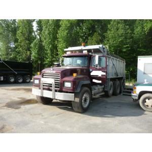 2002 Mack RD688S Dump Truck in DE