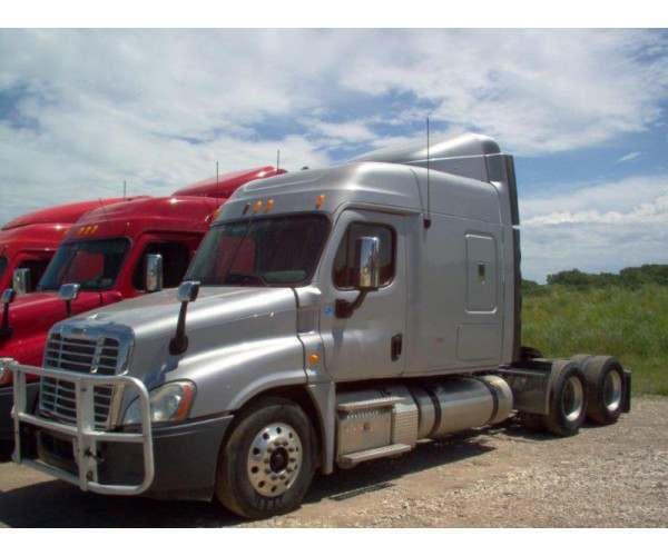 2013 Freightliner Cascadia Iowa