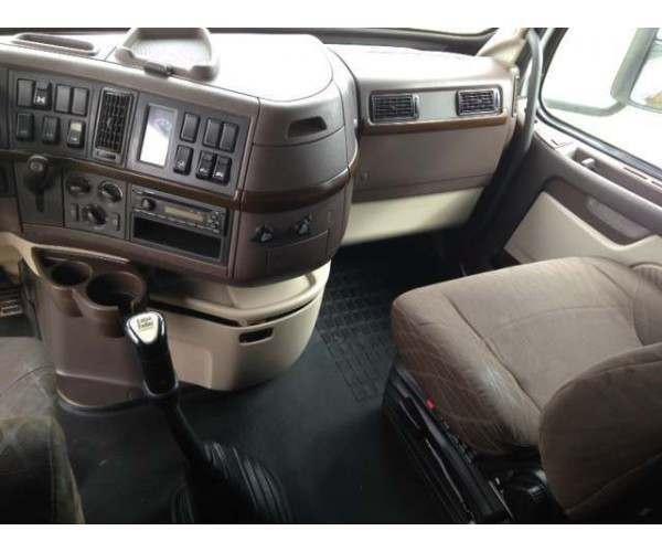 2013 Volvo VNL 630 8